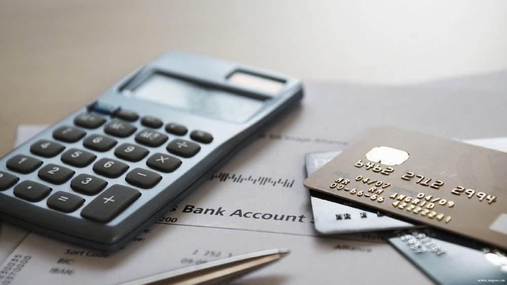 刷卡交易要几个pos机?刷卡交易过程中的注意事项。