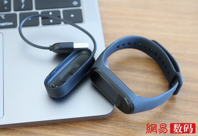 小米手环4 NFC版初体验:全彩屏加入小爱/续航15天以上